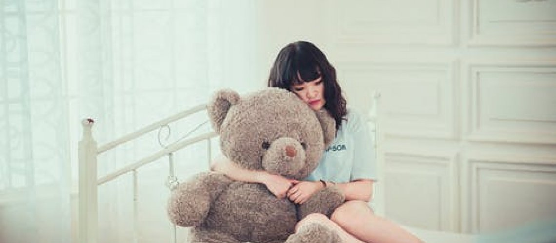 woman-with-bear